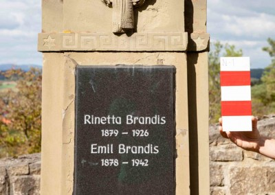 Rinetta Brandis and Emil | N-1