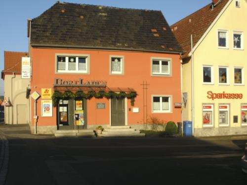 11 Schlossgasse 1