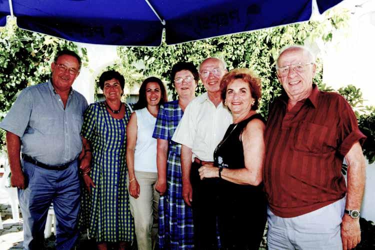 Elisabeth Goldsmith(Liebenthal) zu Besuch 2001 v.l. Ehepaar Frickel,Tochter v.Elisabeth,Ehep. Hesselbach,Elisabeth mit Mann